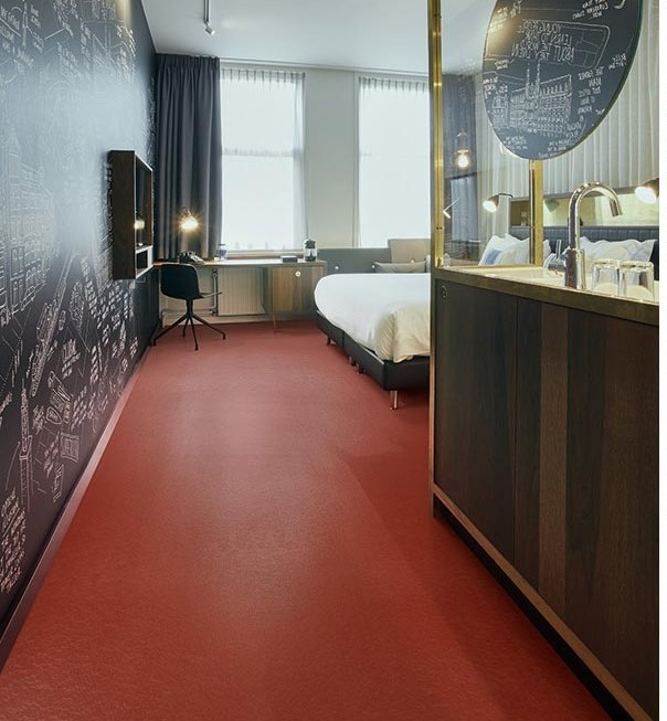 Marmoleum Solid Sheet Walton 3352 Berlin Red
